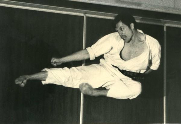 Sensei Pascal Lecourt - Yoko Tobi Geri (1984)